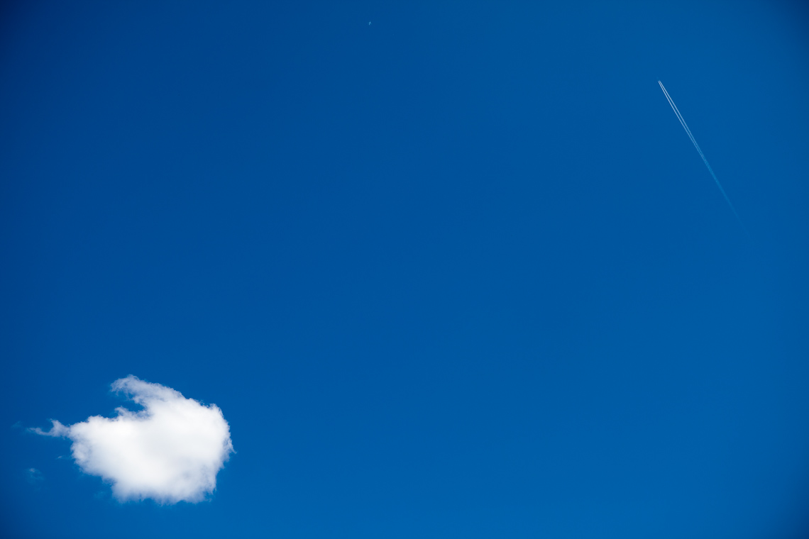Two-planes-and-one-cloud